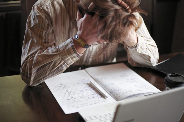 Stressed worker, constructive criticism lowers stress levels